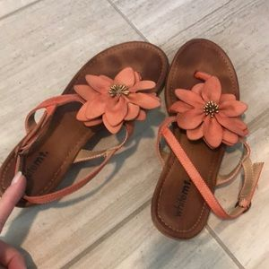 White Mountain Shoes - Flower sandals 8.5
